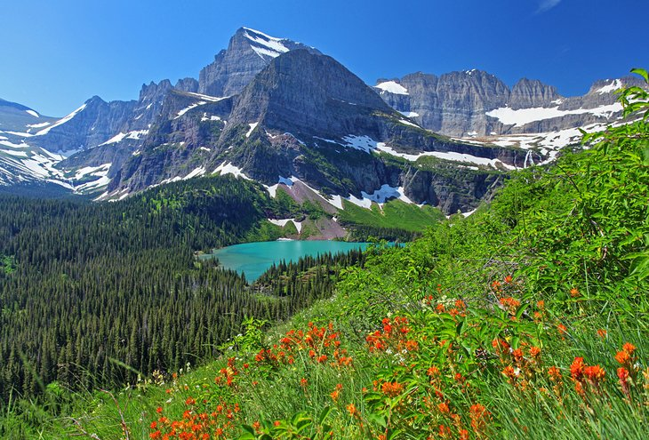Glacier National Park Guide: A Perfect Socially Distanced Road Trip Destination